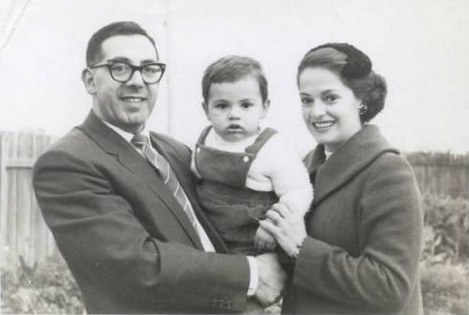 Photograph of Jim and Toula Coroneos with their son, John